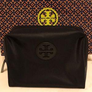 🌺NWT Tory Burch Nylon Make Up Bag